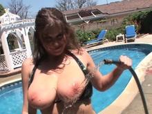 Rošťanda šuká u bazénu