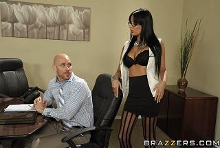 Šéf ojede sekretářku