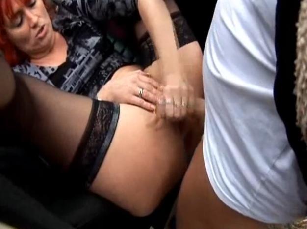 Taxikářka ojede zákazníka