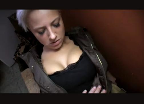 nahý prachy female agent