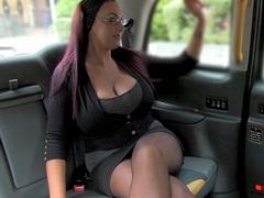 Rychlý prachy ala falešný taxík – Emma Butt