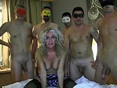 Pět penisů pro španělskou maminu