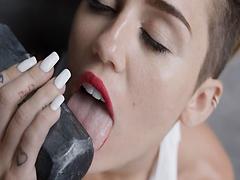 Porno se slavnou Miley Cyrus
