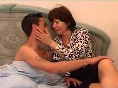 Mamina omrdá nevlastního syna