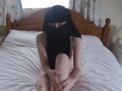 Muslimská děvka v nikábu