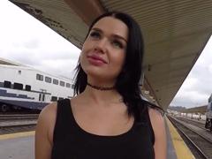 Sex ve vlakovém kupéčku