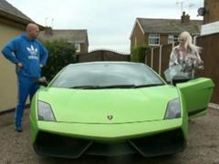 Sbalí děvku na zelené Lamborghini
