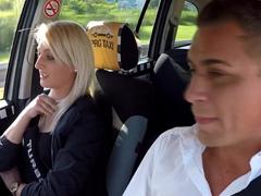 Český šukací taxi opět úřaduje