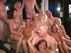 Swingers párty plná šukézních milfek