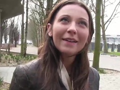 Francouzka ojetá za prachy na ulici