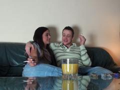Opije a vymrdá sousedku u sebe doma