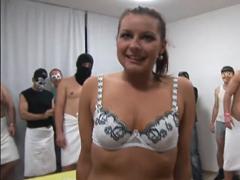 Český gangbang s dívkou z ulice