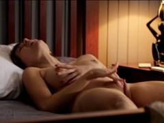 Něžný orgasmus v posteli při pátku