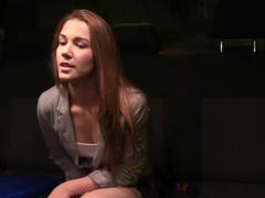 Alexis Crystal si zamrdá v káře