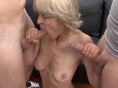 Stará kurva Rita a dva penisy