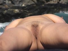 Nahota na nuda pláži
