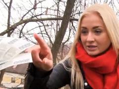 Česká dívka je nevěrná za peníze