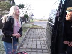Český TakeVan – cizinec a blondýna