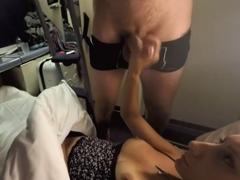 Amatérka vyhoní cizího muže ve vlaku