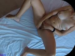 Bratr natočil orgasmus sestry na kameru