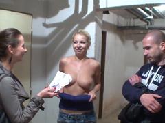 Co všechno udělá český pár za prachy ?