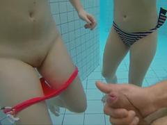 Honění a masturbace pod vodou