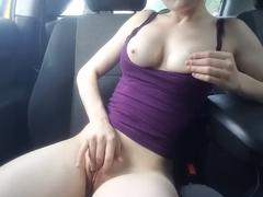 Miluje masturbaci / prstění na veřejnosti