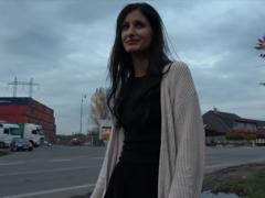 Rychlý prachy – rozbilo se ji auto
