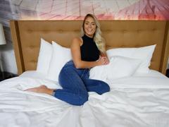 Alenka zkusí natočit porno video