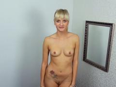 Porno casting s německou kráskou