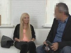 Ruská studentka si zašuká před kamerou