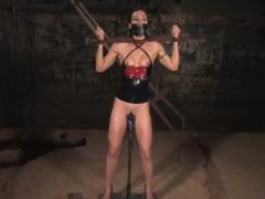 Hardcore BDSM mučení vestoje