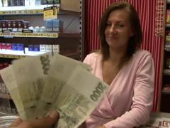 České porno – šukání s prodavačkou