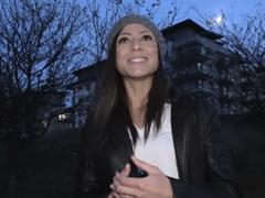 Rychlý Prachy – Francouzka Cassie