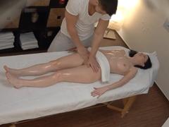 Česká masáž – nesahej mi na kundičku!