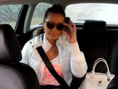 Fake Taxi – češka si zamrdá v taxíku