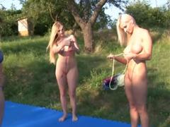 České holky chtějí zápasit jako lesbičky