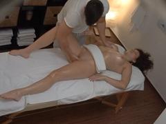 Czech Massage – namasíroval ji kundičku