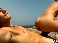 S přítelkyní mrdá na nudistické pláži