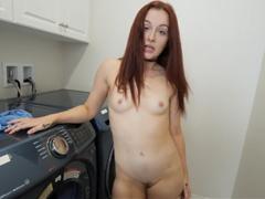 Sestra potřebovala společnost při praní
